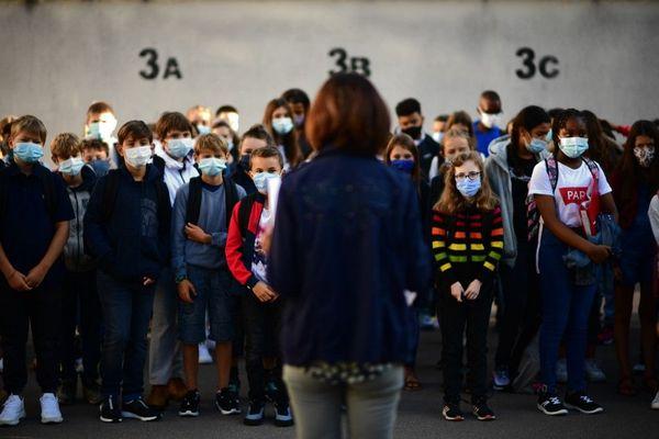 Port du masque obligatoire pour tous les élèves à partir du collège.