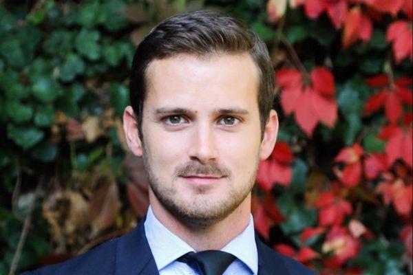Alexis Houset avait été élu avec 44,96 % des voix et remporté 24 des 33 sièges du conseil municipal le 28 juin.