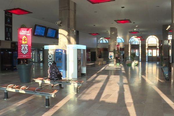 Gare de Nancy déserte ce jeudi 5 décembre, journée de grève nationale contre la réforme des retraites.