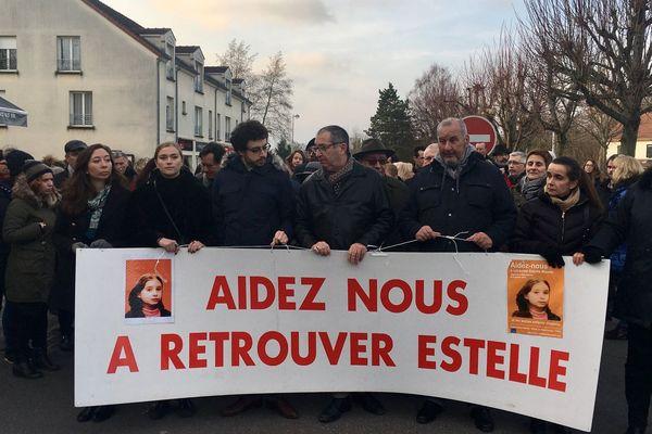 Une manifestation en hommage à Estelle Mouzin, disparue en 2003, à Guermantes, en Seine-et-Marne, le 13 janvier 2018.