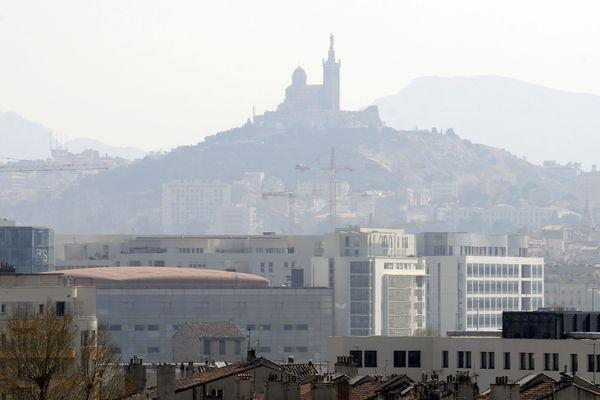 La métropole Aix-Marseille va créer une zone à faible émissions (ZFE) dans le centre uirbain de Marseille