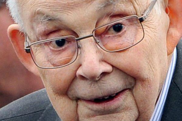 François Michelin est décédé le 29 avril 2015, a-t-on appris auprès du service de communication du groupe clermontois.