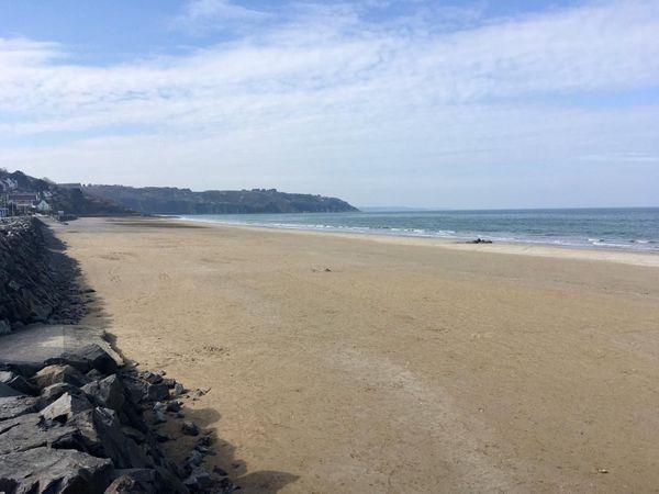 La plage des Rosaires, à Plérin dans les Côtes d'Armor