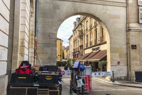 """Les rues de Nancy sont utilisées pour représenter Paris à l'écran dans le film d'Aurélia Georges """"La place d'une autre""""."""