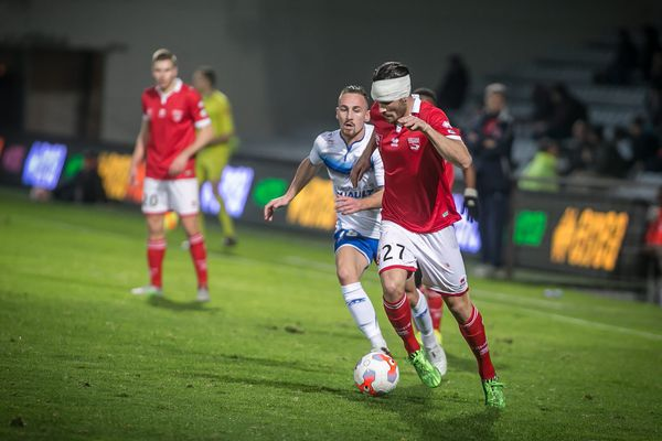 Nîmes s'est offert un 4e succès consécutif face à Auxerre 2-1 et n'est plus relégable - 29 janvier 2016