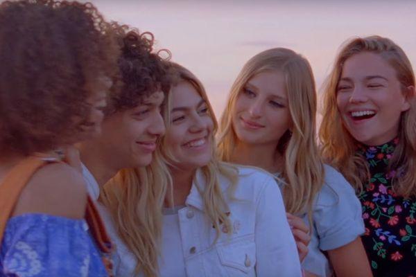 """Louane dans son clip """"On était beau"""""""