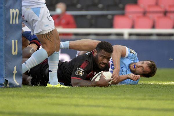 Josua Tuisova, l'international fidjien du Lou rugby, a marqué trois essais contre Bayonne (62-10)