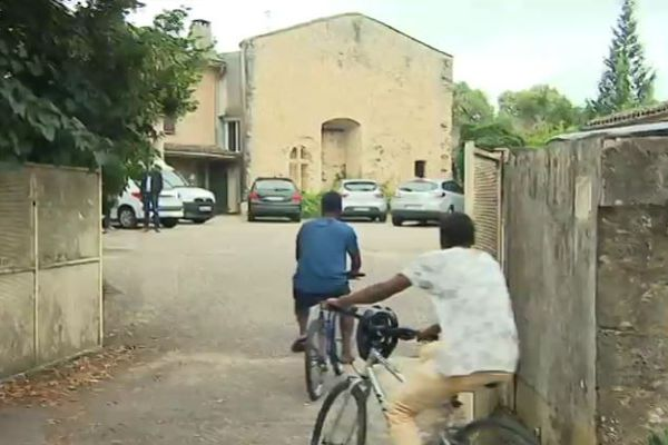 Le centre de St Macaire en Gironde, installé dans une ancienne gendarmerie, accueille 23 jeunes migrants mineurs non accompagnés