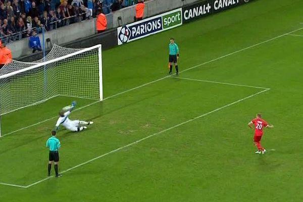 Le Havre (Seine-Maritime) - ce tir au but repoussé par le gardien normand, élimine Nîmes de la Coupe de la Ligue (5 à 4) - 8 août 2017.