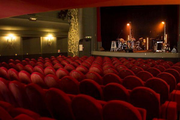 Le théâtre Trianon, à Bordeaux, sans spectateurs