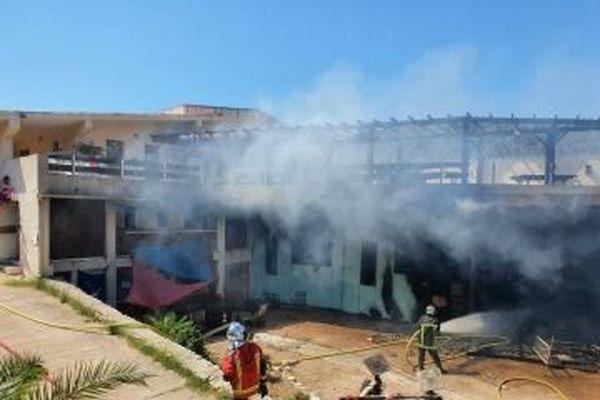 Un incendie s'est déclaré dans une école de voile à Bonifacio.