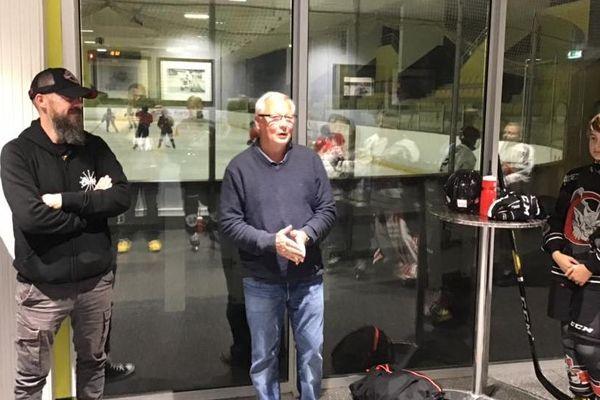L'ancien entraîneur d'Amiens et de l'équipe de France, Dave Henderson, sera le coach vedette des U13 lors du tournoi Pee Wee au Québec