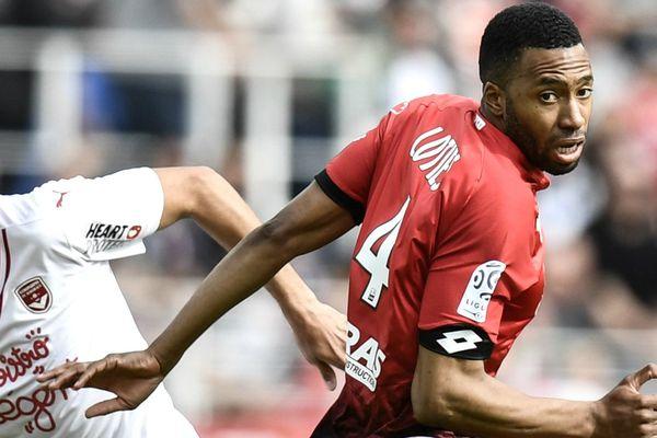 Le défenseur Jordan Lotiès (ici contre Bordeaux le 30 avril 2017) quitte le DFCO.