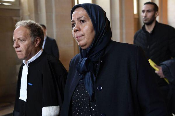 Latifa Ibn Ziaten et l'avocat rouennais Maitre Mouhou à l'ouverture du procès d'assises le 2 octobre