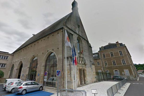 Trois candidats sont en lice à l'élection municipale 2020 pour la mairie de Saint-Amand-Montrond, dans le Cher