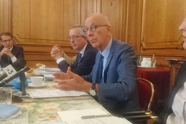 Le préfet du Bas-Rhin Jean-Luc Marx lors de la conférence de presse du 31 août 2018, annonçant le début prochain des travaux du grand contournement ouest de Strasbourg.