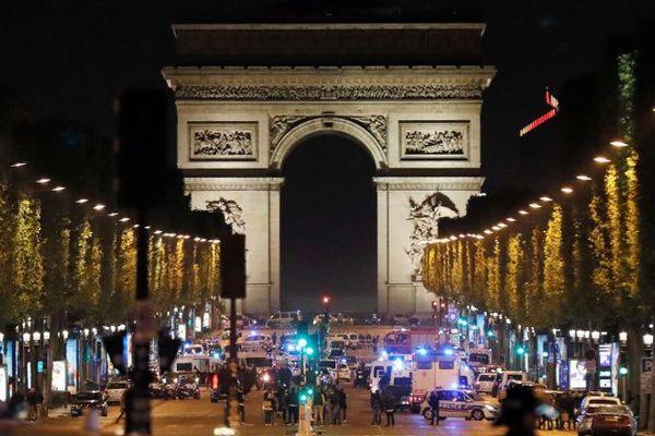 Les Champs-Elysées peu après l'attentat qui a visé des policiers le 20 avril 2017.