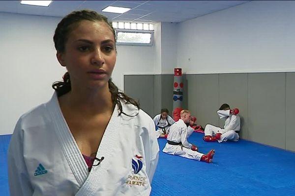Assia sera confrontée à sept autres karatékas dans sa catégorie