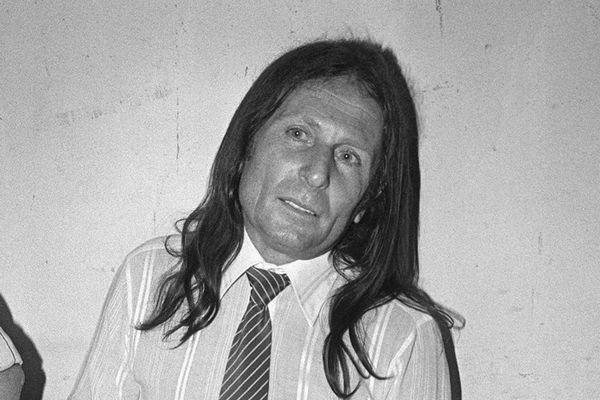 Le criminel d'origine corse, Joseph-Thomas Recco alias Tommy Recco ou thomy, attend le verdict lors de son procès, le 14 juin 1983, au palais de justice de Draguignan.