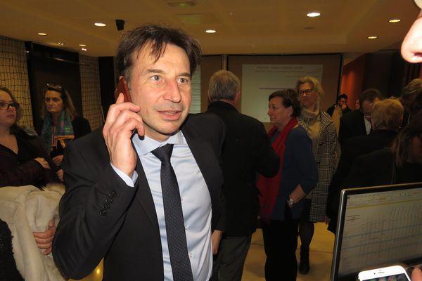 Le candidat LR-UDI-MoDem Pascal Thévenot, candidat à la succession de Valérie Pécresse, dans la deuxième circonscription des Yvelines.