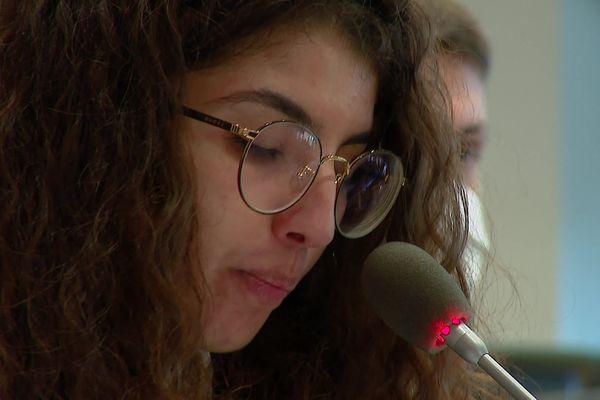Sarah Rhallab siège dans les rangs écologistes au conseil départemental de la Vienne. C'est son premier mandat électoral.