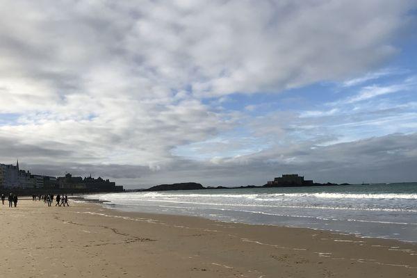 La plage du sillon à Saint-Malo.