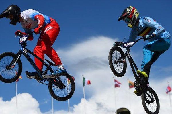 L'art du saut durant l'Euro BMX