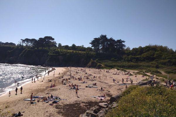 Locmaria-Plouzané en période post-confinement: vous avez dit plage dynamique ? Face à l'affluence croissante sur ses plages, la préfecture a décidé de fermer Portez et Porsmilin sur demande de la municipalité.