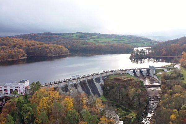 Le barrage a été mis en service il y a près d'un siècle.