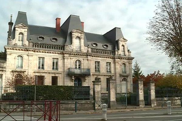 La sous-préfecture de Nérac a été construite en 1835.