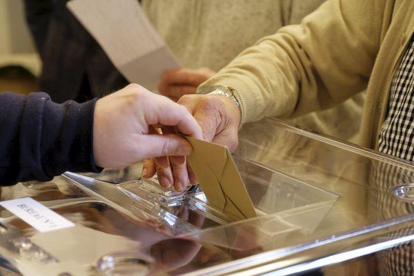 Le 15 mars 2020, pour le premier tour des élections municipales, le taux de participation était de 21,54% à 12h dans le Gard.