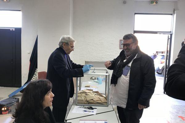 Jean-Pierre Luciani, tête de liste Pruprià Altrimente, a voté ce matin