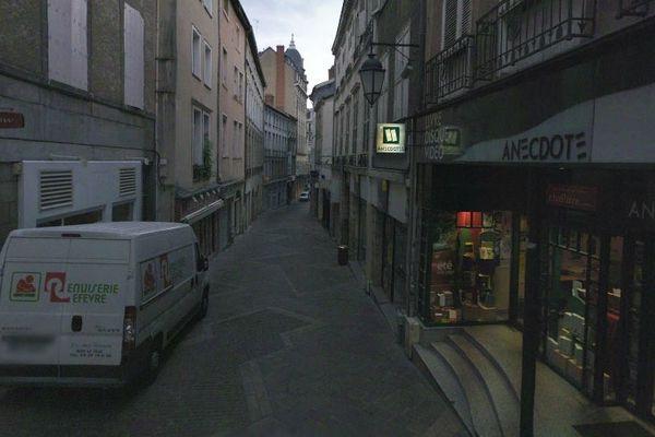 Librairie Chapitre-Anecdotes à Limoge, rue du Consulat