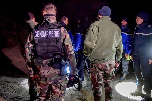 Illustration d'une opération de la gendarmerie à Oye-Plage, entre Calais et Gravelines.