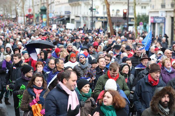 La préfecture de police a compté 10 500 « foulards rouges » ce dimanche 27 janvier à Paris.
