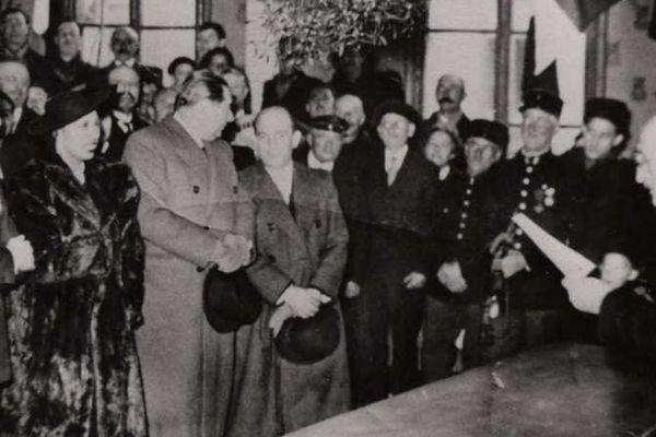 Joséphine Baker et Jean Lion mariés par le député-maire Jammy Schmidt le 30 novembre 1937