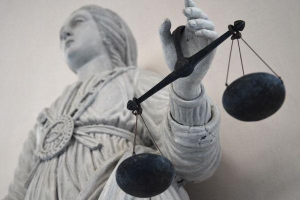 Mardi 6 janvier, le procès d'une dizaine de militants nationalistes corses s'ouvre au tribunal correctionnel de Paris après la découverte d'une cache d'armes en 2013.