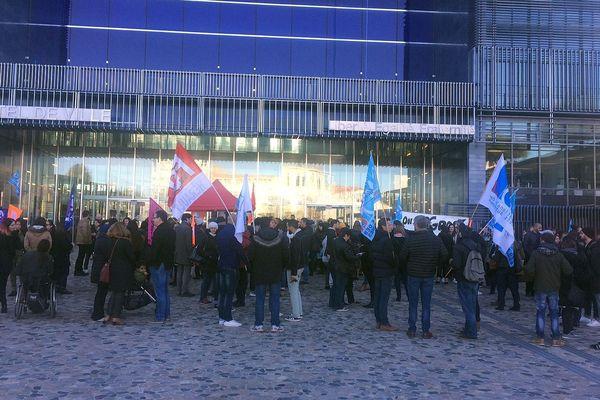 Montpellier - les animateurs des Temps d'Activités Périscolaires manifestent devant la mairie - 20 novembre 2017.