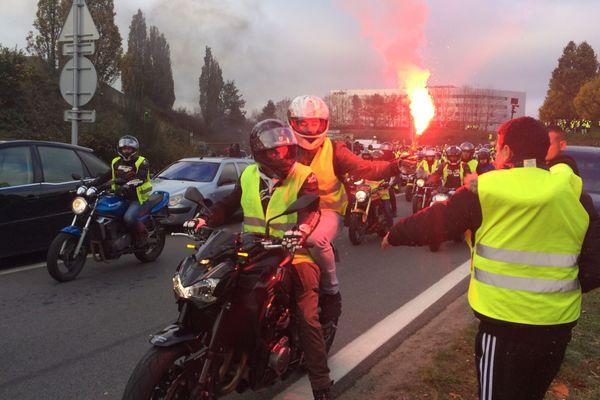 Les manifestants en gilets jaunes au niveau de la porte d'Ar Mor à Nantes (photo d'illustration).