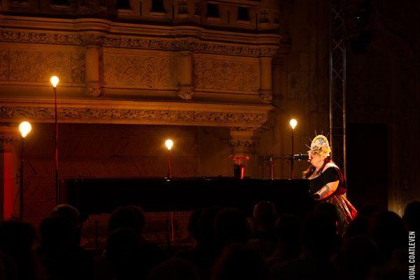 Sarah McCoy au Palais Jacques Coeur
