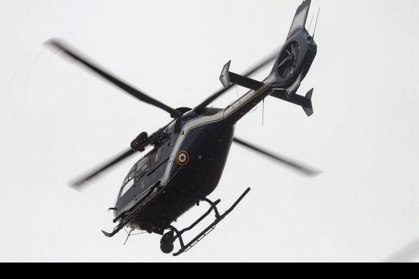 La section aérienne de la gendarmerie de Rennes a participé aux recherches, dans la nuit de dimanche à lundi.