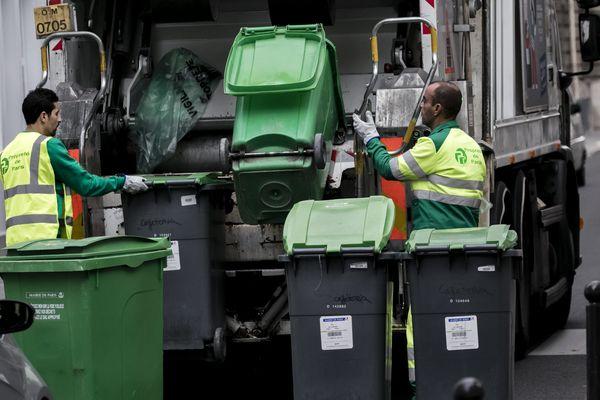 Les mouchoirs, masques, gants et lingettes de nettoyage ne doivent pas être jeté dans la poubelle jaune, dans le compost ou dans la nature, même si vous n'êtes pas malade.
