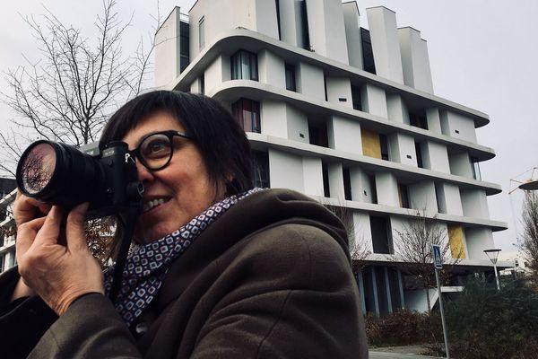 La photographe Marie-Hélène Labat travaille depuis le début des années 2000 sur la métamorphose des quartiers de l'agglomération de Rouen.