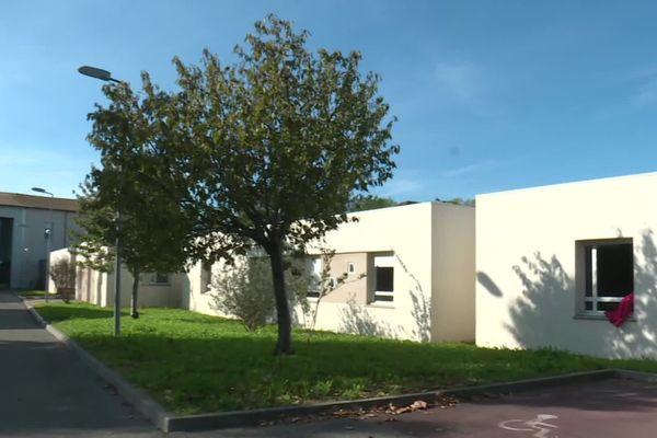 La maison d'accueil spécialisée dépend du centre hospitalier de Montfavet-Avignon.
