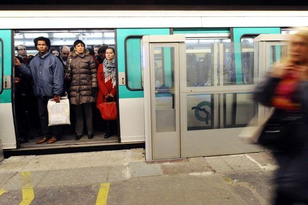 Un train est tombé en panne à la station Montparnasse-Bienvenüe sur la ligne 13.
