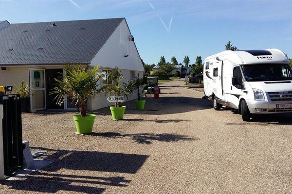 L'entrée du camping de l'Aiguille Creuse près d'Etretat.