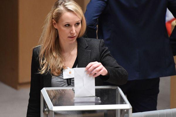 Vote de Marion Maréchal Le Pen en 2015 en Paca pour les élections régionales.