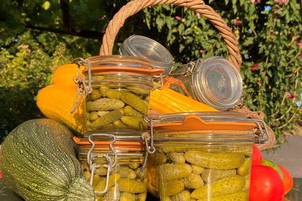 Durant l'été, on peut facilement préparer des conserves de légumes pour en profiter tout l'hiver.