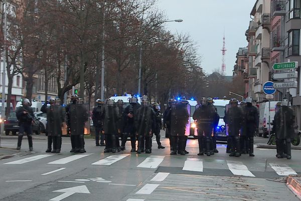 Des heurts ont éclaté dans le quartier de la gare à Strasbourg