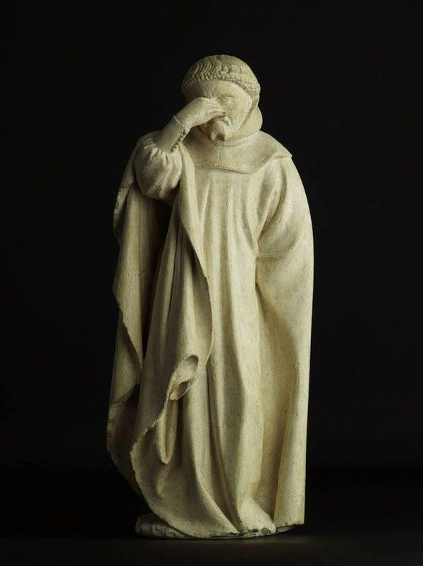 """Le """"Pleurant retenant ses larmes"""" ou """"Pleurant n°17"""" du tombeau de Philippe le Hardi"""